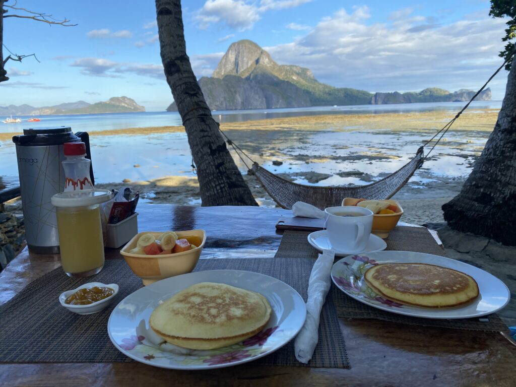 El Nido, hotel, breakfast, pancake, amazing view,  AngelNido resort