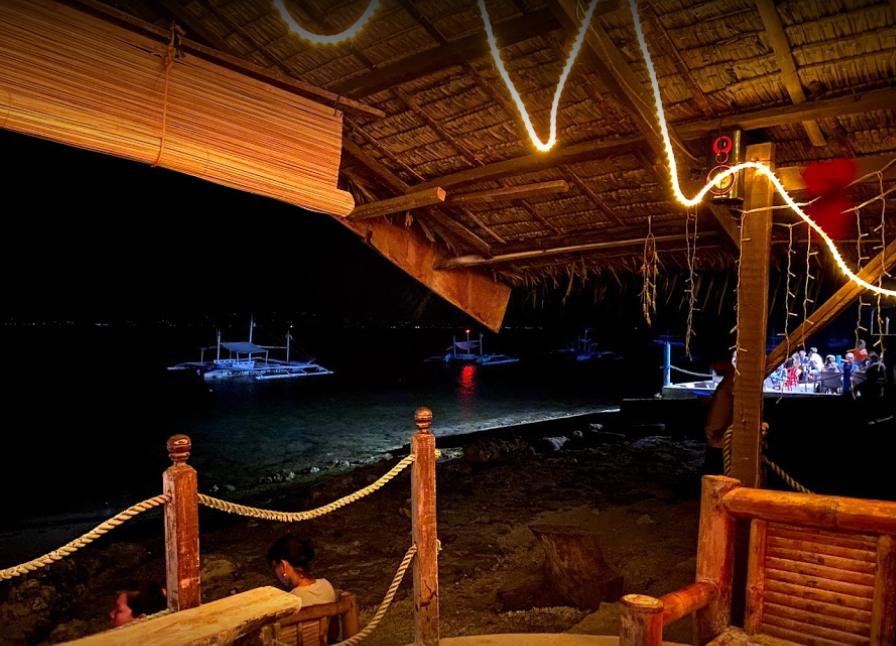 Esters bars, plage, bar, Moalboal, Panagsama beach