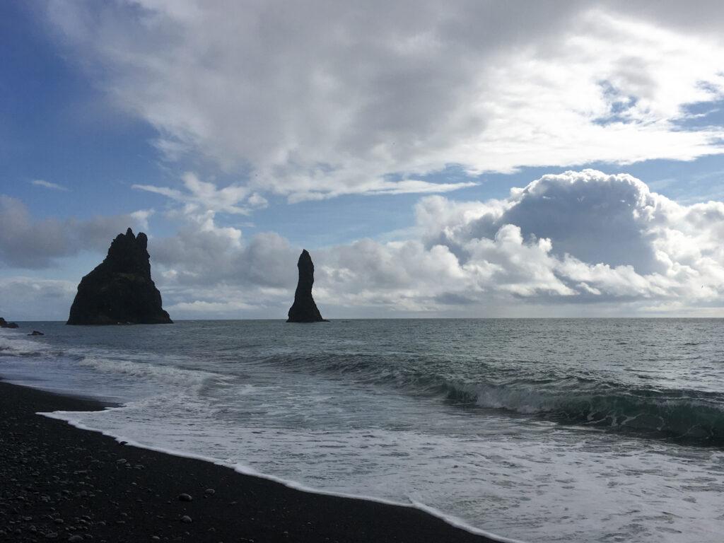 Plage de Reynisfjara - Islande - plage de sable noir